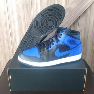 Jordan 1 Mid 'Black Royal' Shoes